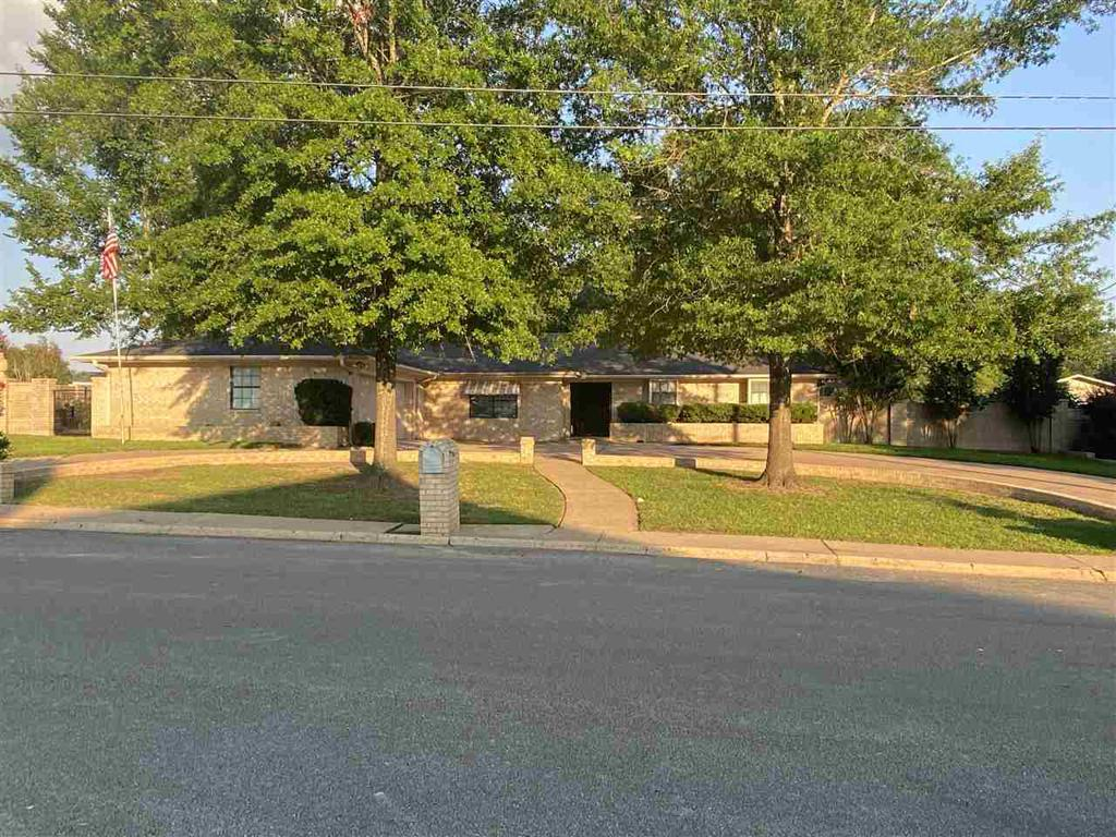 Photo of home for sale at 1607 Cindy Lou, Henderson TX