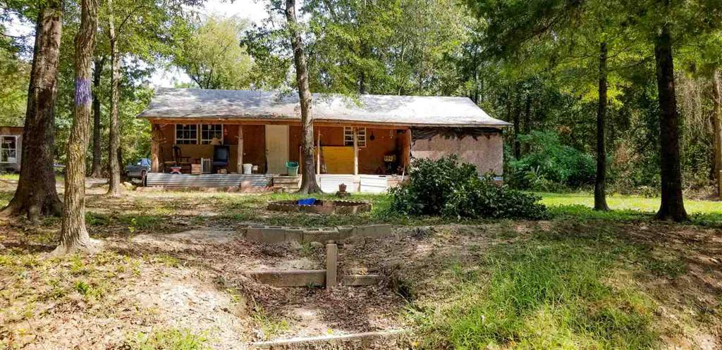 Photo of home for sale at 1171 CR 4244, Pittsburg TX