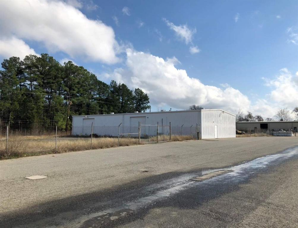 Photo of home for sale at 1000 1/2 Cotton St., Longview TX