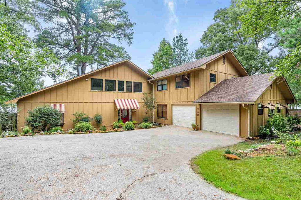 Photo of home for sale at 1805 LAKE DR, Gladewater TX