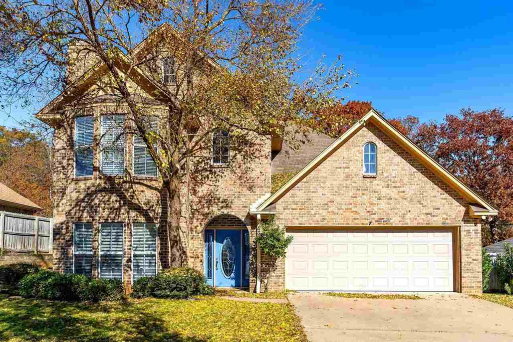 Photo of home for sale at 1103 Regina St., Longview TX