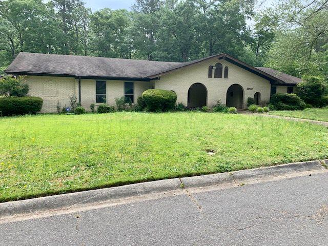 Photo of home for sale at 1800 Foster, Magnolia AR