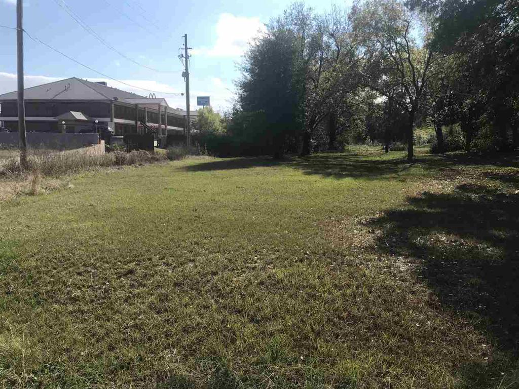 Photo of home for sale at 202 Cox Road, Marshall TX