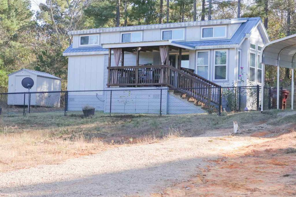 Photo of home for sale at 211 Beall Mountain Rd., Longview TX