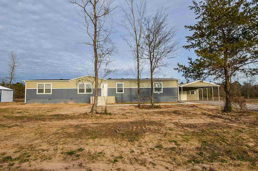 Photo of home for sale at 1001 Adams st, Carthage TX