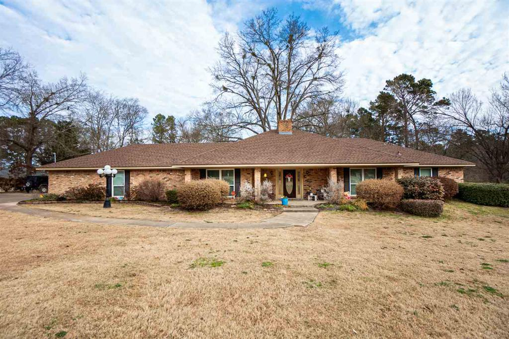 Photo of home for sale at 224 Cedar Springs Rd, Longview TX