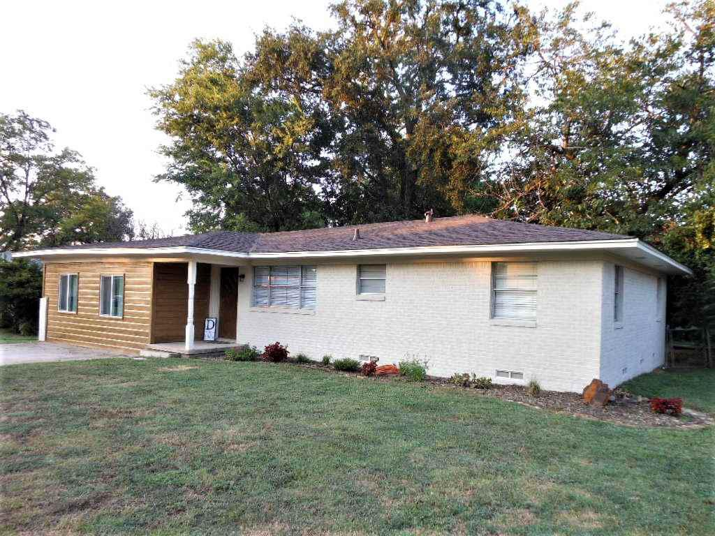 Photo of home for sale at 508 WARD ST., Winnsboro TX