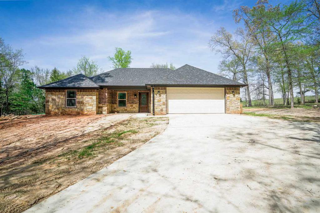 Photo of home for sale at 580 Susan St, Gladewater TX