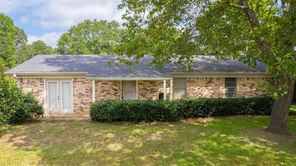 Photo of home for sale at 3001 PAGE ROAD, Longview TX