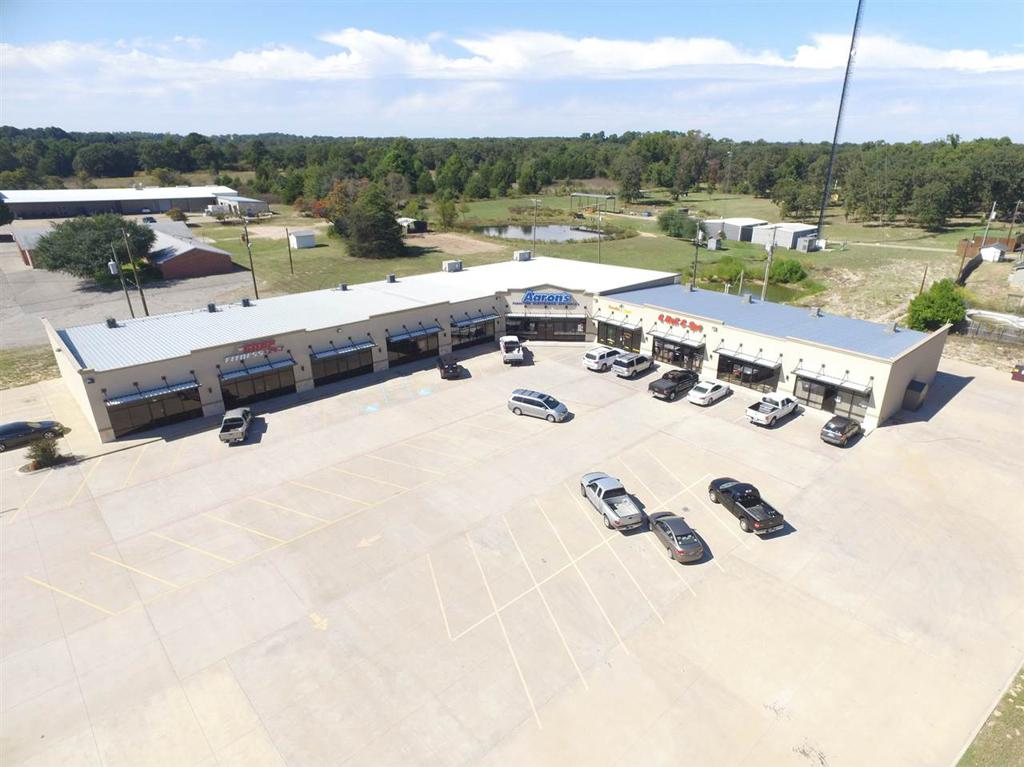 Photo of home for sale at 344 Loop 564, Mineola TX