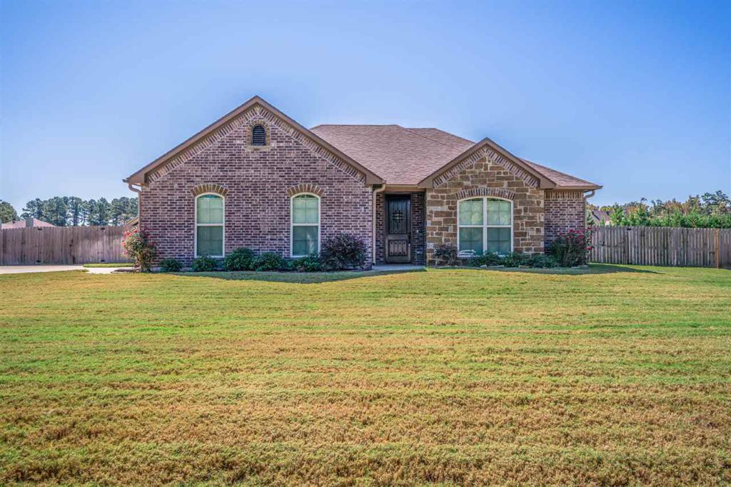 Photo of home for sale at 504 Karabeth, Hallsville TX