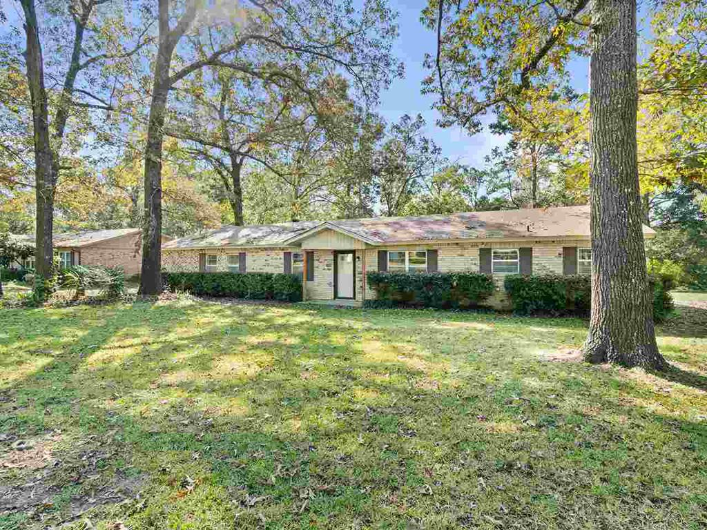 Photo of home for sale at 10964 RODGERS RD, Diana TX