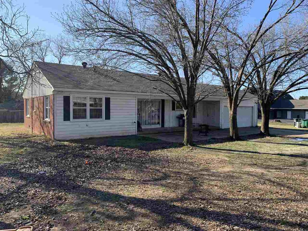 Photo of home for sale at 106 Martindale, Marshall TX