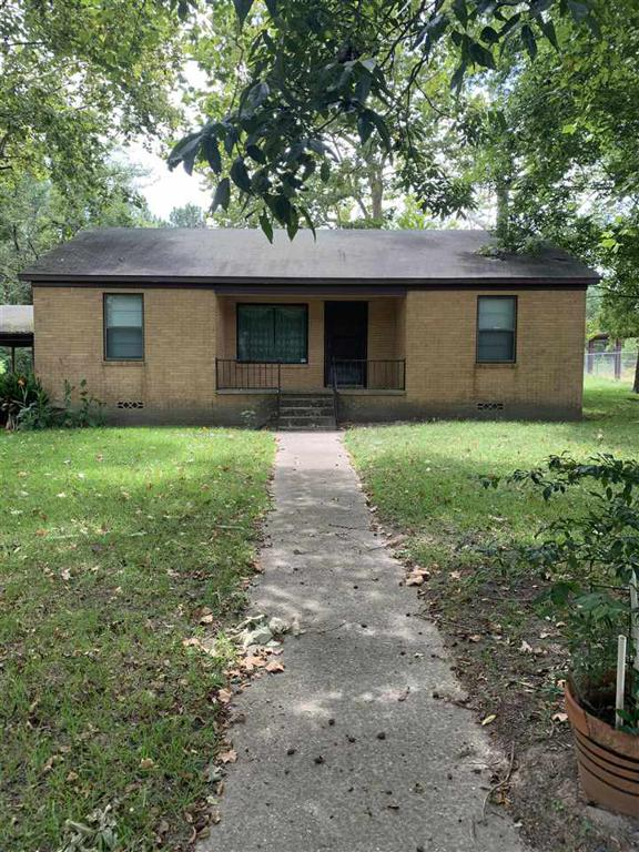 Photo of home for sale at 510 SH 323, Overton TX