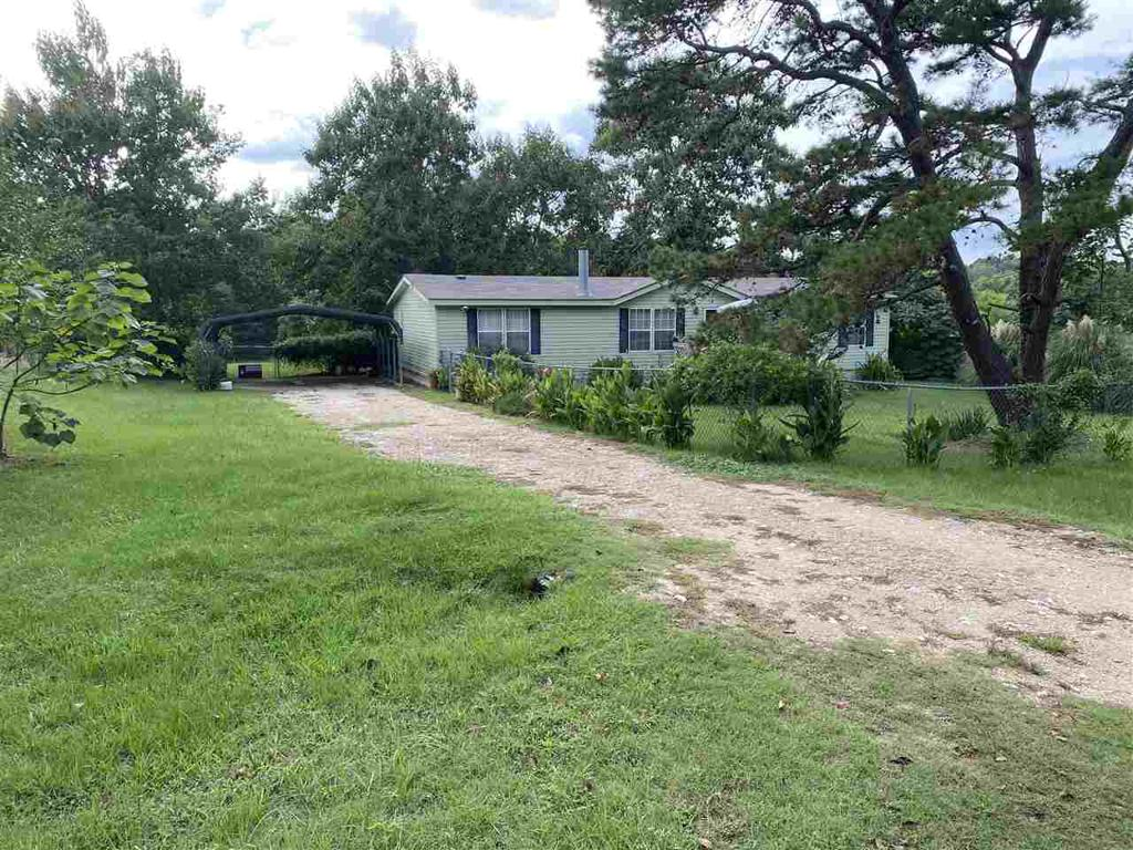 Photo of home for sale at 507 Tooke Rd, Longview TX