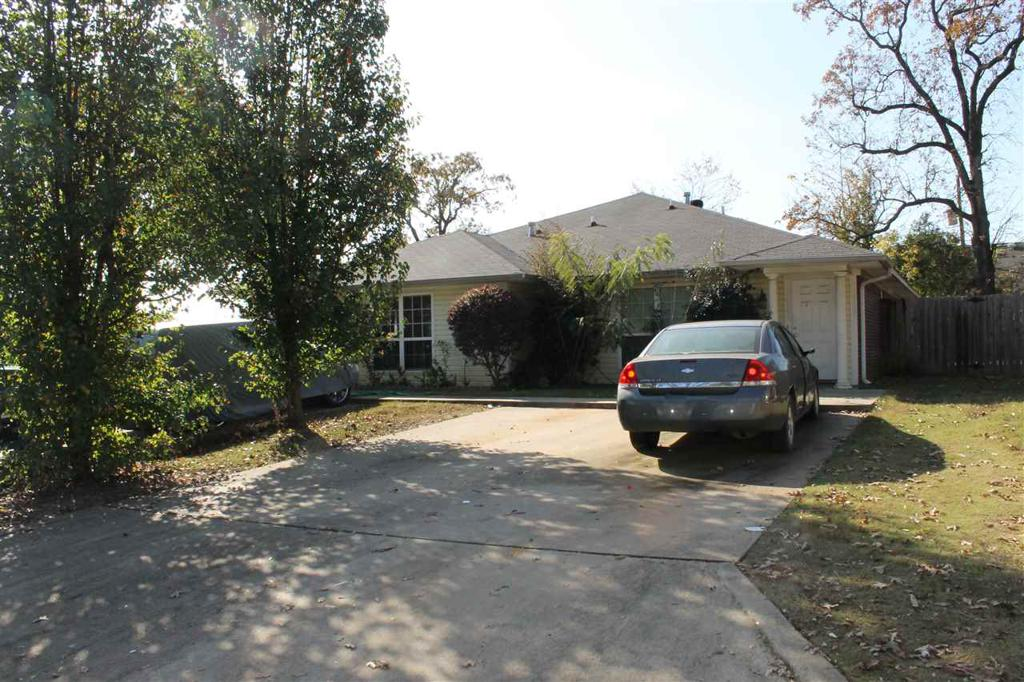 Photo of home for sale at 2101-2105 LAUREL, Texarkana AK