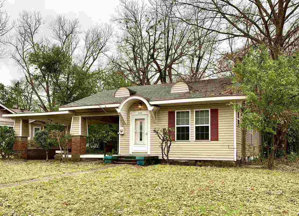 Photo of home for sale at 316 POLK, Gilmer TX