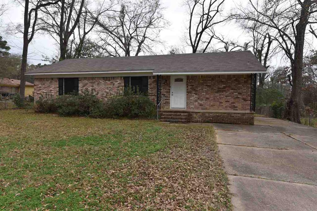 Photo of home for sale at 205 Frances, Longview TX