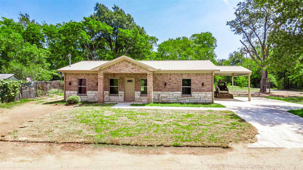 Photo of home for sale at 607 Edwards, Longview TX