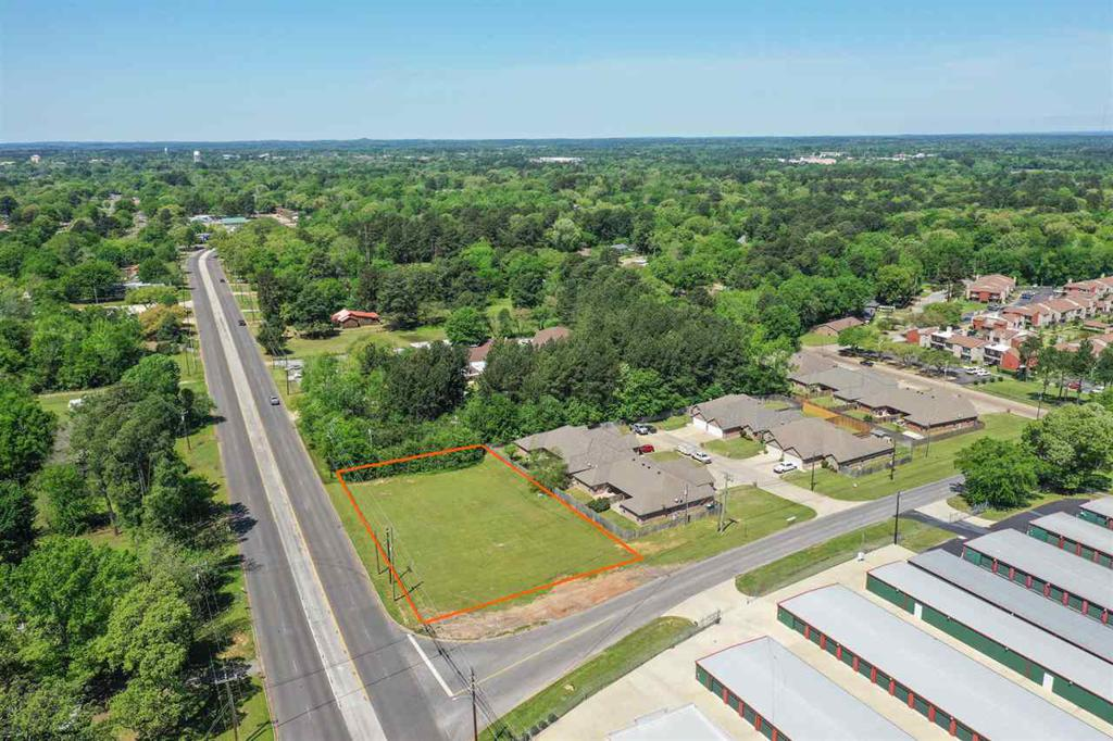 Photo of home for sale at 3617 Stone Rd, Kilgore TX