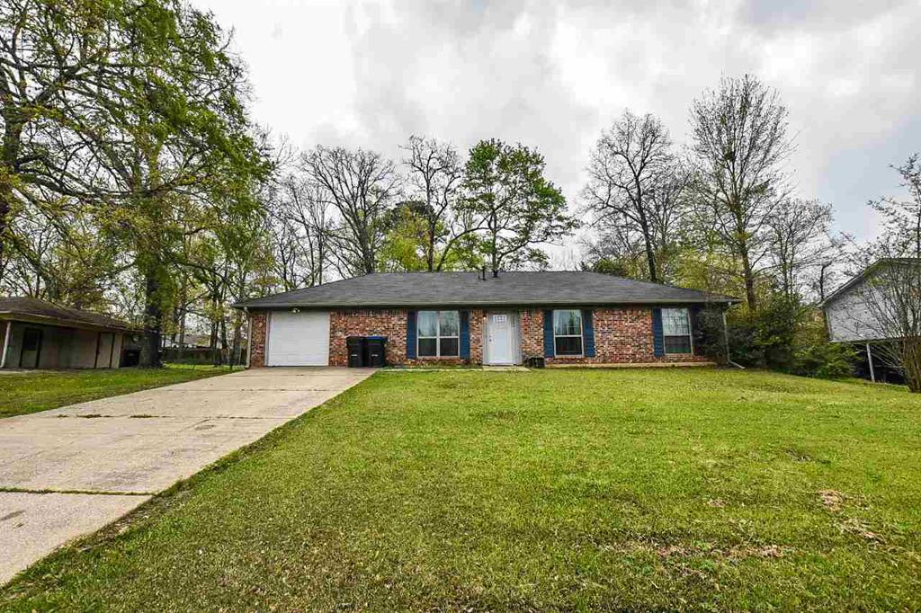 Photo of home for sale at 3204 Mona Dr, Longview TX