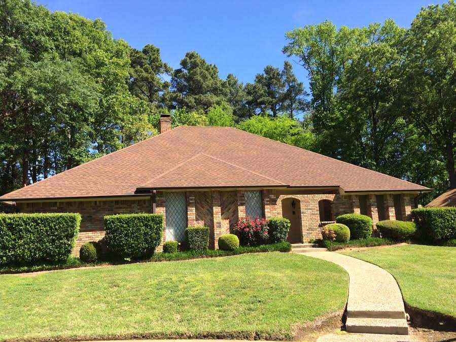 Photo of home for sale at 913 Regency Dr, Longview TX