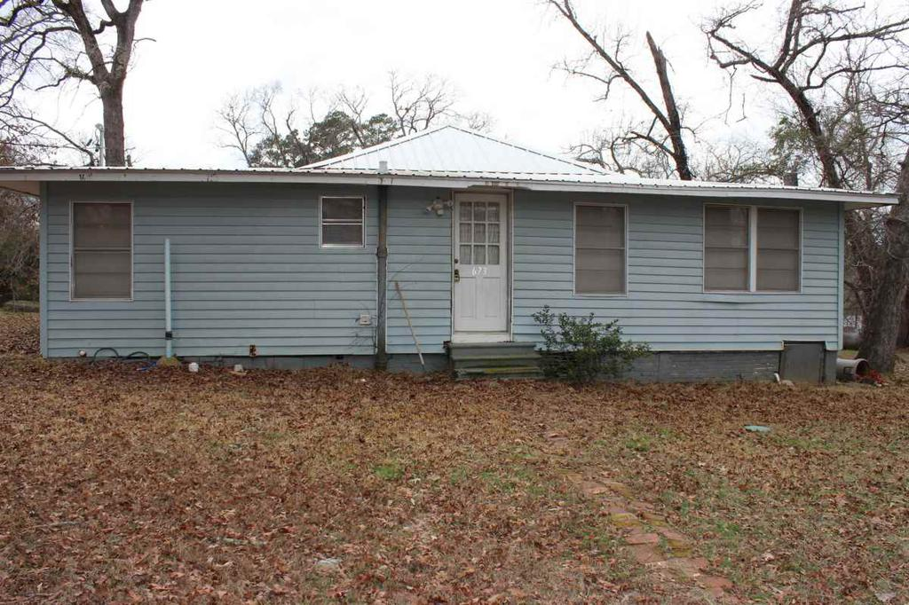 Photo of home for sale at 673 CR 4235, Jacksonville TX