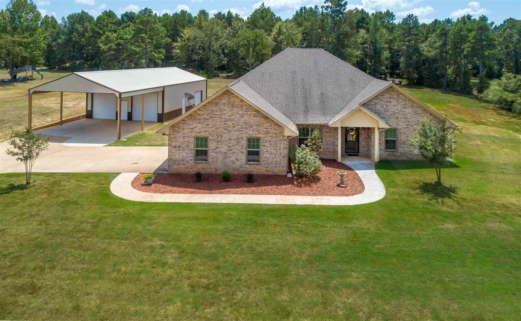 Photo of home for sale at 182 Tiger Lily, Diana TX