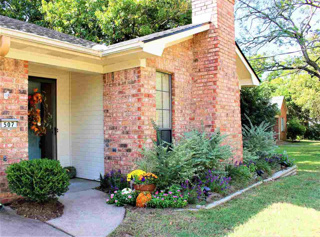 Photo of home for sale at 507 Cass St., Gilmer TX