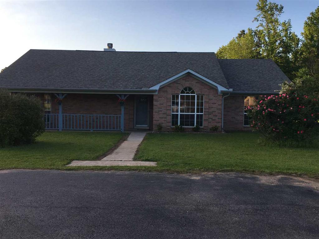 Photo of home for sale at 115 Pond Dr, Marshall TX