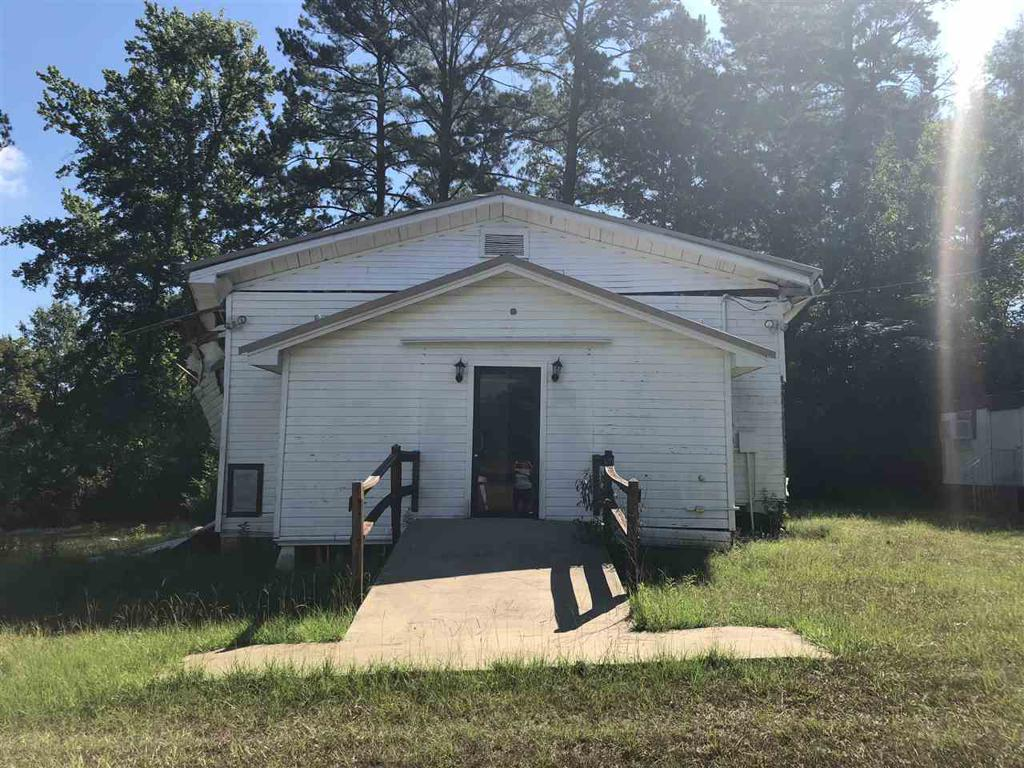 Photo of home for sale at 2450 CR 302, Carthage TX