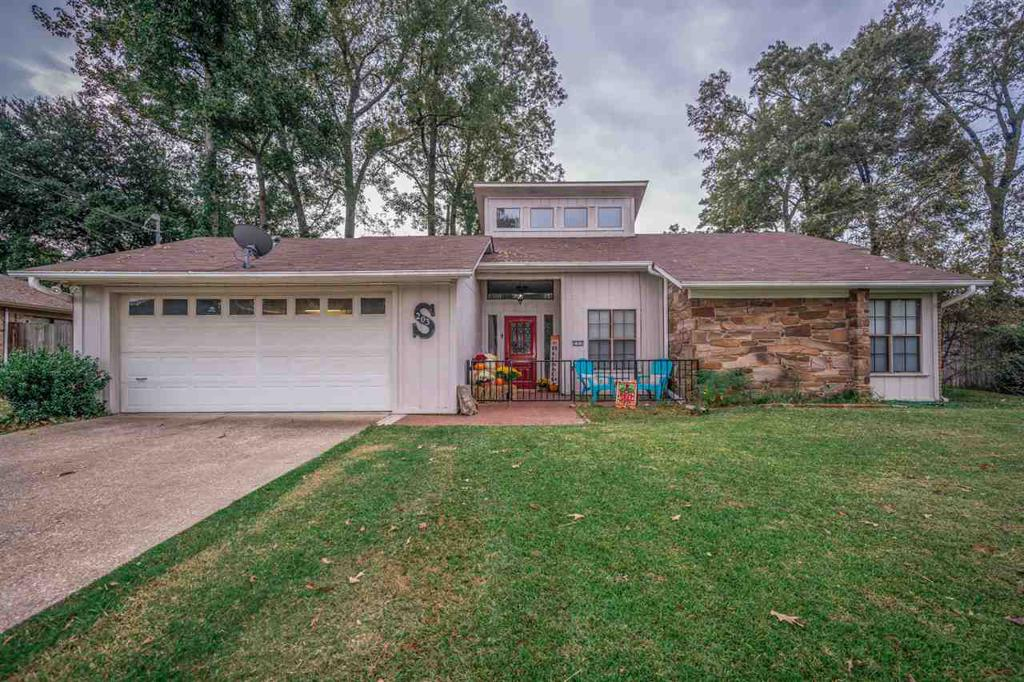 Photo of home for sale at 203 Janet Kay Drive, Longview TX