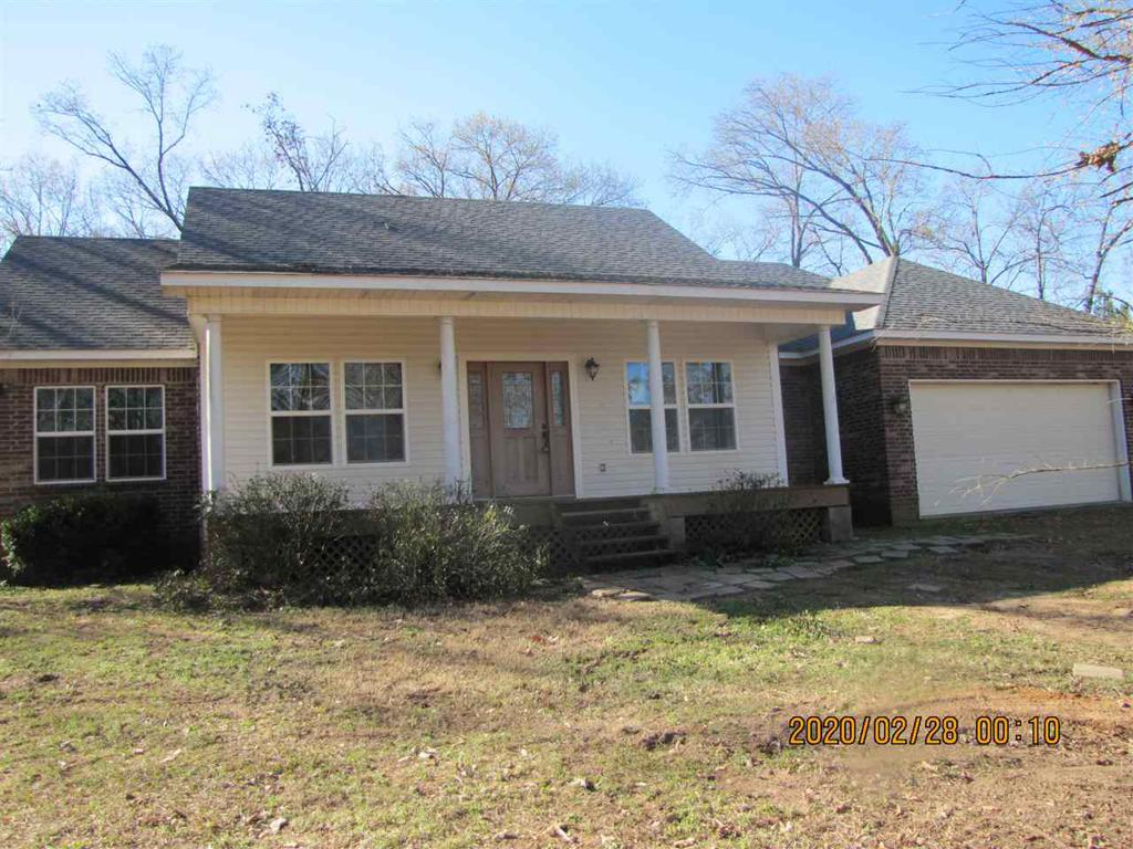 Photo of home for sale at 340 Jewell Gooch, Marshall TX
