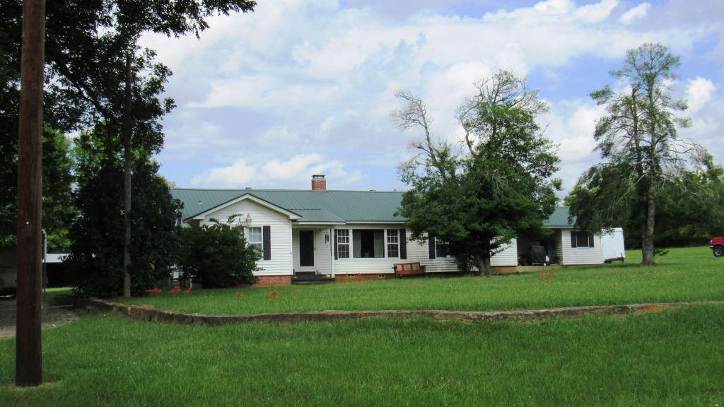 Photo of home for sale at 3831 Blackjack Rd, Jefferson TX