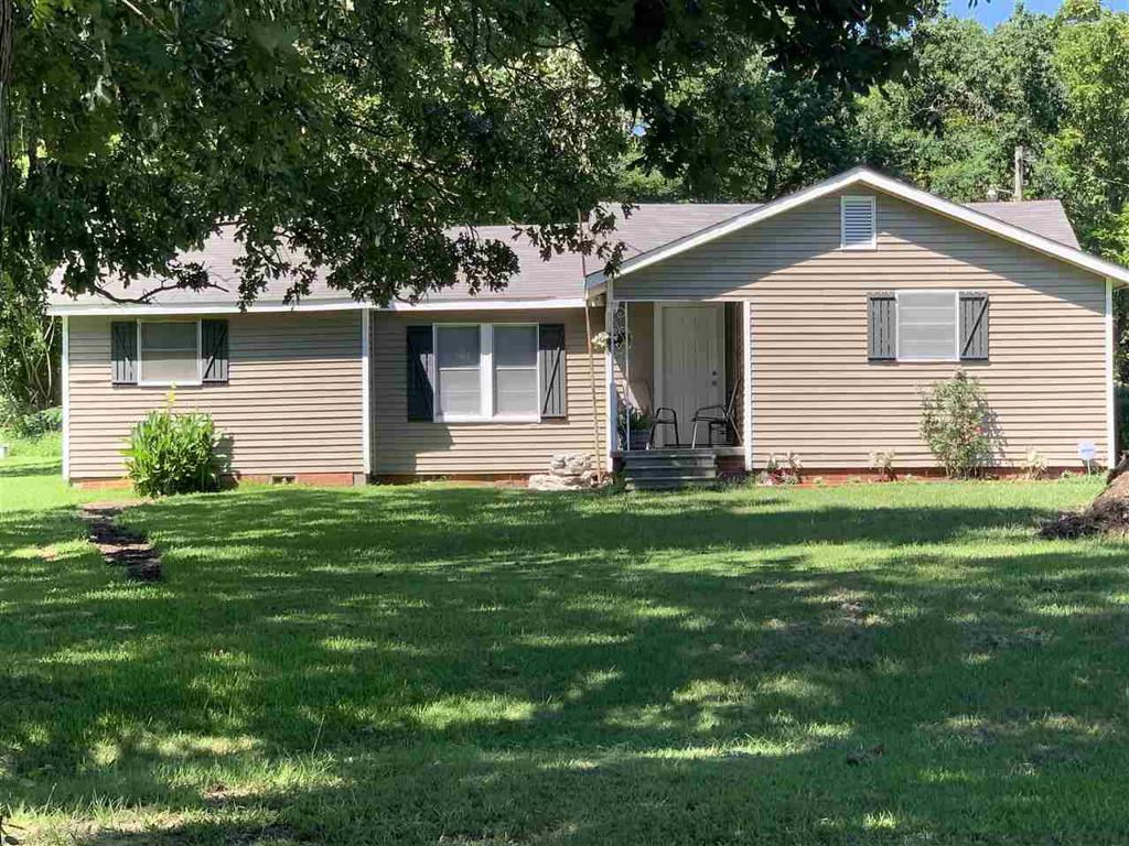 Photo of home for sale at 3824 State Hwy 42, Henderson TX