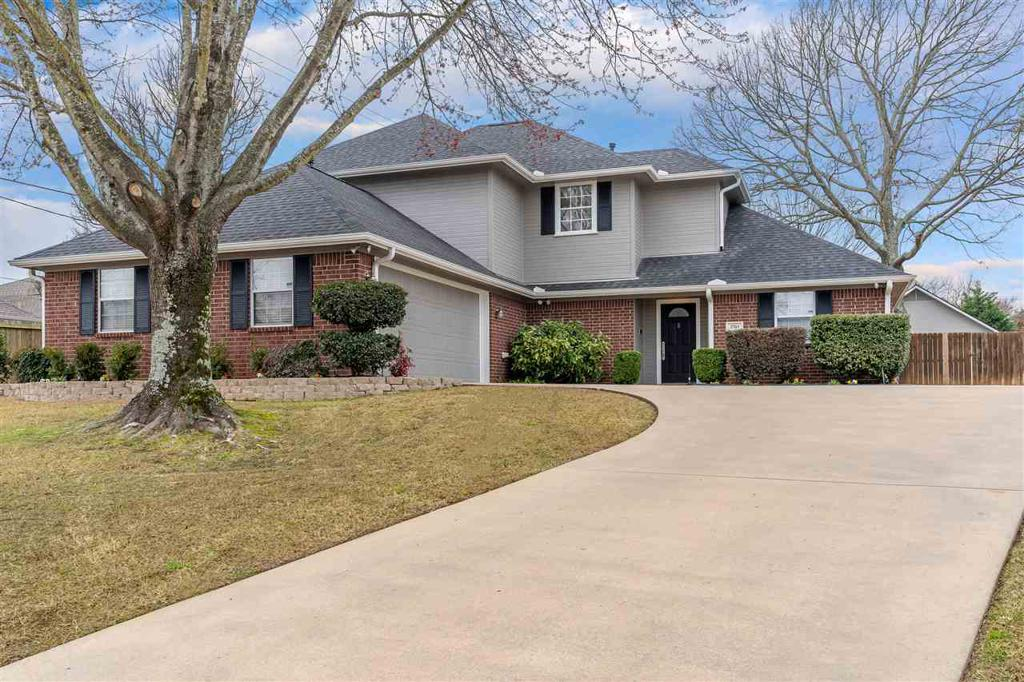 Photo of home for sale at 3703 Keighley Dr, Longview TX