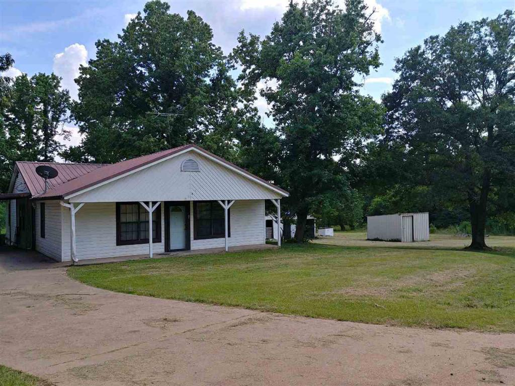 Photo of home for sale at 1284 Buchanan Rd, Hallsville TX