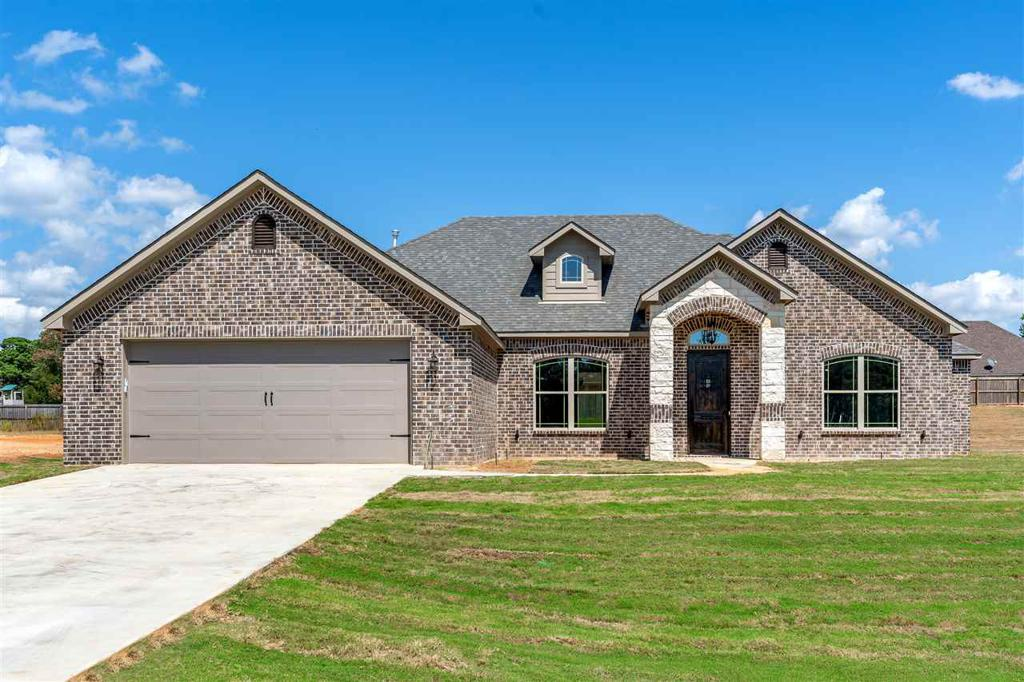 Photo of home for sale at 137 Eagles Perch, Diana TX