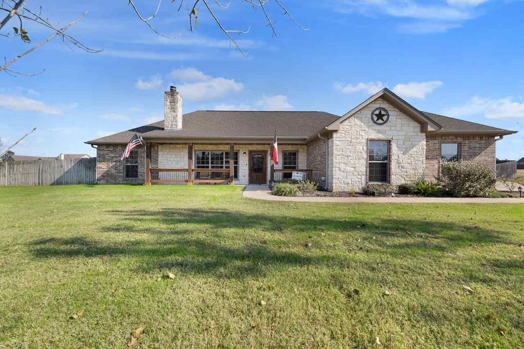 Photo of home for sale at 210 CR 1130, Kilgore TX