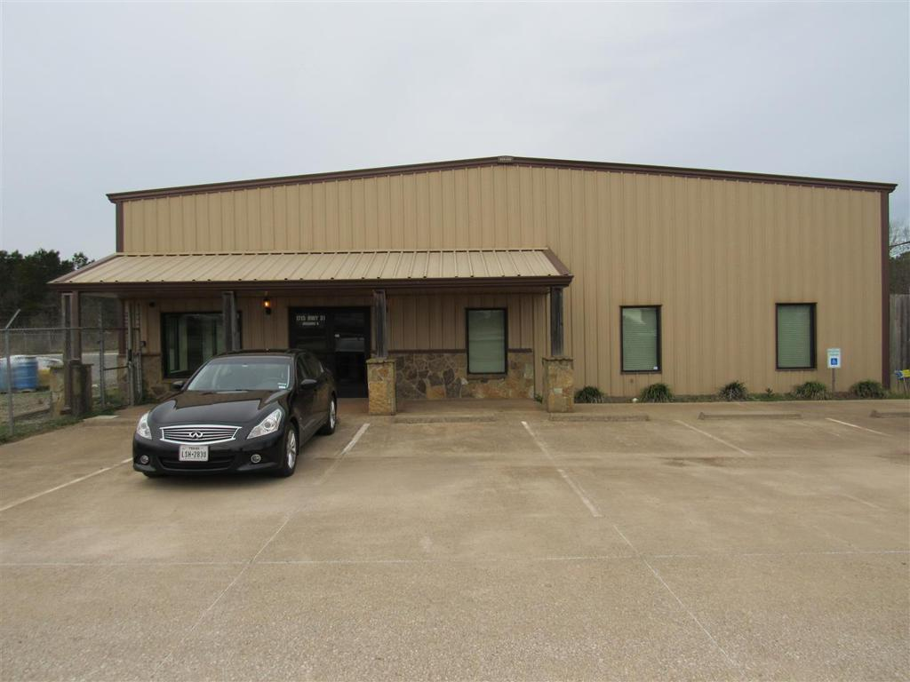 Photo of home for sale at 1715 B SH 31, Longview TX