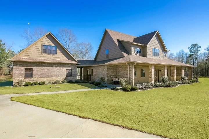 Photo of home for sale at 114 Heritage Bend, Diana TX
