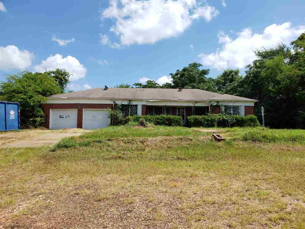 Photo of home for sale at 625 Bluebird, Gilmer TX