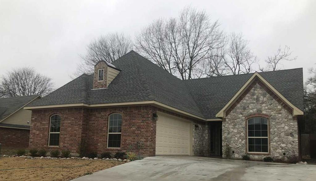 Photo of home for sale at 1206 Cobblestone, Carthage TX