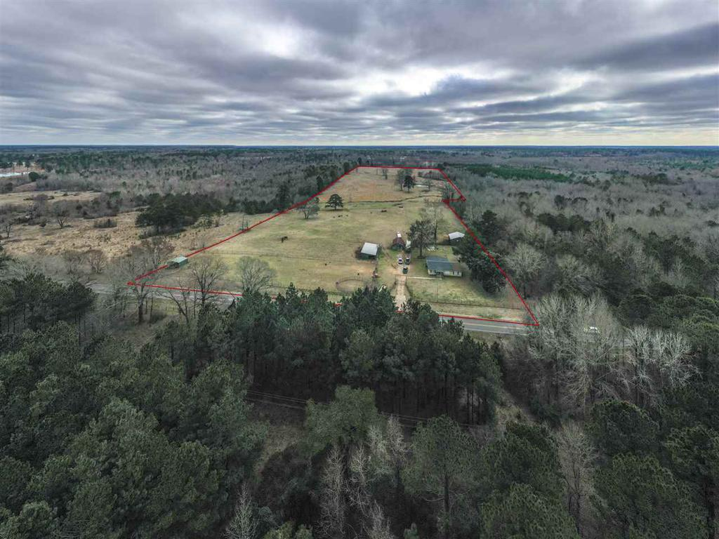 Photo of home for sale at 1206 FM 1999, Karnack TX