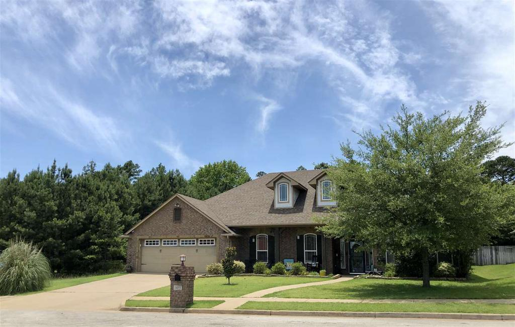 Photo of home for sale at 5011 RUSTIC OAK DR, Longview TX