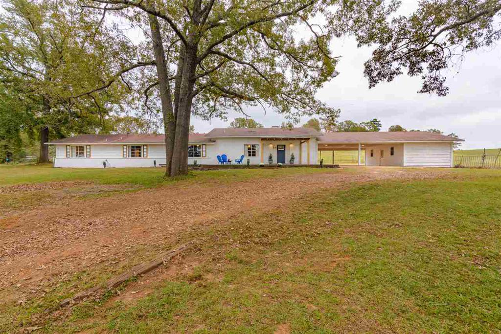 Photo of home for sale at 5678 Hwy 8, Linden TX