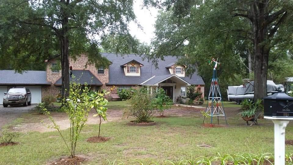 Photo of home for sale at 164 Hayden, Carthage TX