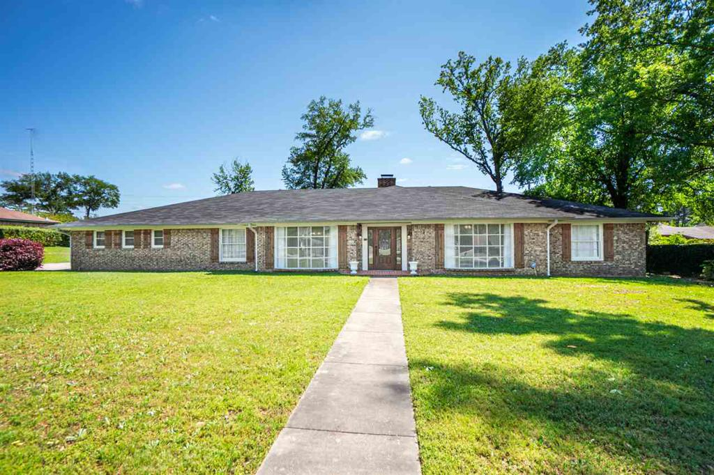 Photo of home for sale at 1304 Le Duke Blvd., Longview TX