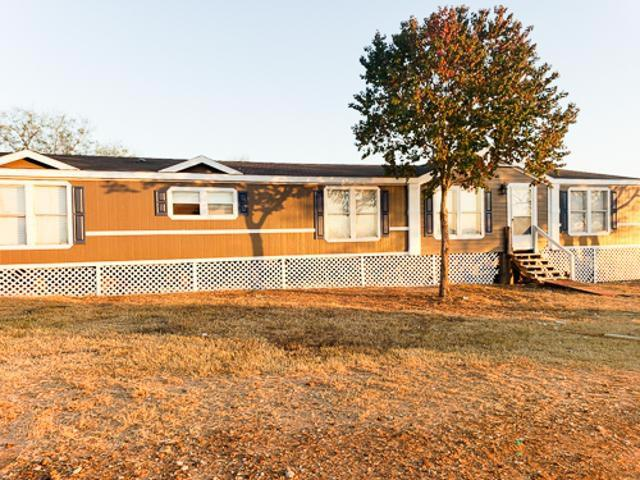 Photo of home for sale at 4125 FM 2504, Poteet TX