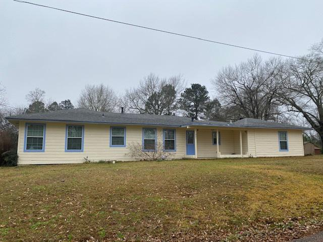Photo of home for sale at 605 First St, Queen City TX
